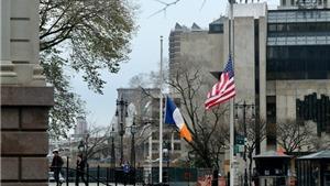 Tổng thống Mỹ Donald Trump ra lệnh treo cờ rủ tưởng nhớ 2 cảnh sát thiệt mạng trong vụ bạo loạn