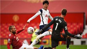Tin bóng đá MU 1/5: Cavani gia hạn với MU. Xong vụ Pau Torres trước EURO