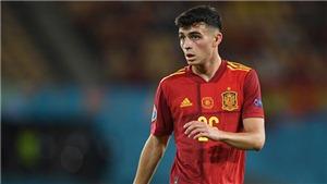Pedri bị tính phản lưới nhà từ sai lầm của đồng đội trong ngày phá kỷ lục EURO