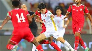 Oman 3-1 Việt Nam: Khi trận đấu được định đoạt bằng những... cái tay