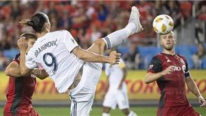 Ibra tự nhận là 'Chúa của những bàn thắng' khi ghi bàn thứ 500 bằng tuyệt phẩm kung-fu