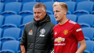 Tin bóng đá MU 24/1: Van de Beek không vui tại Old Trafford. MU tìm kiếm trung vệ
