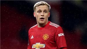 Bóng đá hôm nay 14/7: MU chốt tương lai Van de Beek. Mourinho chính thức có Patricio