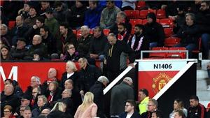 MU: Ám ảnh cảnh CĐV lũ lượt rời sân Old Trafford sau tấm thẻ đỏ của Pogba