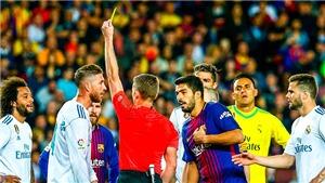 Barcelona 2-2 Real Madrid: Trọng tài mắc liên tiếp sai lầm, trận đấu bị bẻ vụn