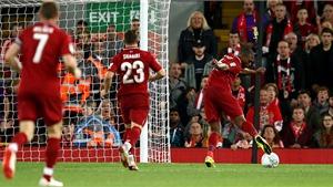 Sturridge được ví như Torres sau 'pha bỏ lỡ thế kỷ' trước Chelsea