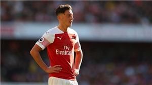 SỐC: Mesut Oezil kiếm tiền cực khủng dù chỉ dự bị ở Arsenal