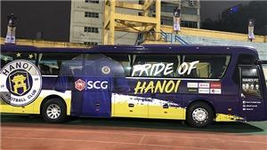 Hà Nội FC vs Than Quảng Ninh: Xe bus của Hà Nội FC chưa được thay 'áo mới'