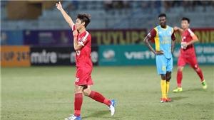 Thua trắng Viettel, HLV và cầu thủ Khánh Hòa trút giận lên trọng tài