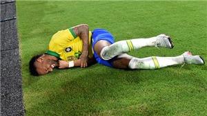 Neymar kiến tạo, ghi bàn và... cắm đầu vào biển quảng cáo khi tái xuất ở đội tuyển Brazil