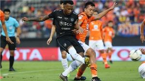 Tuyển thủ Thái Lan thích biểu diễn, Văn Lâm bị 'vạ lây'