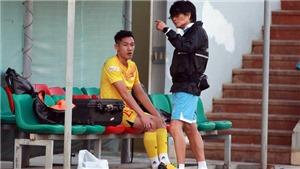Chấn thương nặng, Hai Long rời tuyển Việt Nam bất đắc dĩ