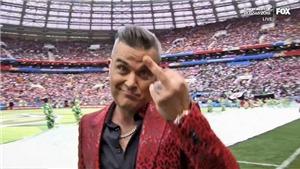 Robbie Williams giơ ngón tay thối 'chọc tức' khán giả - Kẻ lắm tài nhiều tật