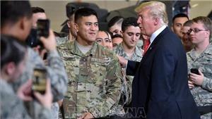 Tổng thống Donald Trump rút lại lời đe dọa cho phép quân đội nổ súng vào người di cư