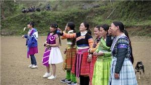 Đồng bào Mông rộn ràng đón Tết truyền thống