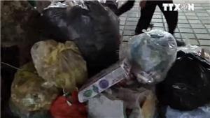 Nhức nhối hình ảnh rác ngập chùa Hương