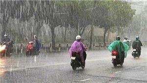 Thời tiết miền Bắc mưa lớn, Nghệ An đến Quảng Trị nắng nóng gay gắt