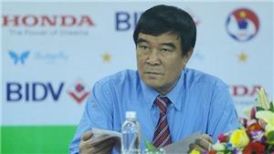 Ông Nguyễn Xuân Gụ nói gì khi từ chức, tự truyện Lê Công Vinh có thể bị thu hồi