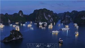 Từ ngày 10/7, Quảnh Ninh giảm 50% phí tham quan lưu trú trên vịnh Hạ Long