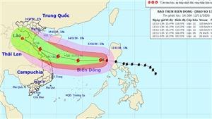 Đêm 12/11, vùng gần tâm bão số 13 có gió giật cấp 15