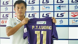 VIDEO: Thành Lương gia hạn hợp đồng 2 năm với Hà Nội FC