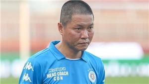 HLV Chu Đình Nghiêm: 'Nhân viên khiêng cáng ném cầu thủ Hà Nội'