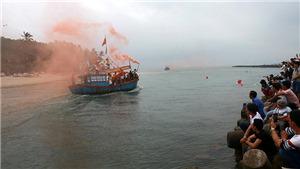Ngư dân Phổ Thạnh, Quảng Ngãi 'xông biển' lấy lộc đầu năm