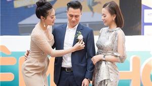 Phương Oanh vàThanh Hương 'chăm chút' Việt Anh tại sự kiện