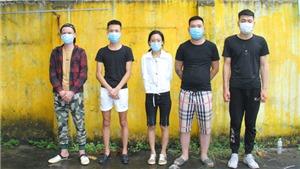 Lào Cai phát hiện, bắt giữ 2 ô tô chở 10 người Trung Quốc nhập cảnh trái phép vào Việt Nam