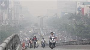 Người dân bảo vệ sức khoẻ trước ô nhiễm không khí Hà Nội, TP HCM