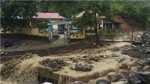 Chùm ảnh: Huyện miền núi Kỳ Sơn, tỉnh Nghệ An ngập lụt nghiêm trọng