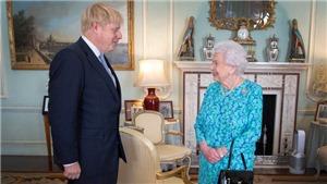 Nữ hoàng Elizabeth chấp thuận đề xuất của chính phủ hoãn phiên họp Quốc hội