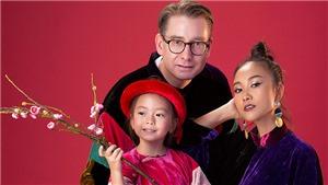 Đoan Trang hạnh phúc bên chồng và con gái 5 tuổi trong BST áo dài của NTK Đức Hùng