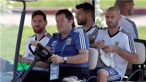 Sampaoli bị tước quyền lực, Messi và đồng đội tự chọn đội hình đá với Nigeria
