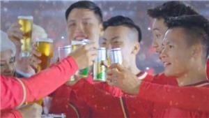 Quang Hải lên tiếng về vụ quảng cáo bia, đội bóng của Công Vinh đối mặt với án phạt