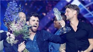 Hà Lan giành chiến thắng ở Eurovision, Madonna gây sốc với hai vũ công