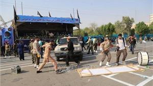 Iran: Tấn công lễ diễu binh, 11 binh sĩ thiệt mạng, hơn 30 dân thường bị thương