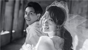 Ca sĩ Đông Nhi hé lộ thiệp cưới với Ông Cao Thắng