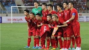 Tin tức ĐT Việt Nam ngày 12/10: HLV Riedl dự đoán Việt Nam chiến thắng. Xác định trọng tài bắt trận Indonesia vs Việt Nam
