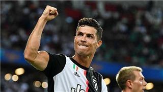 Cristiano Ronaldo trở thành cầu thủ đầu tiên kiếm được 1 tỷ USD