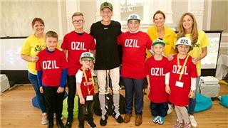 Một cuộc đời khác của Mesut Oezil