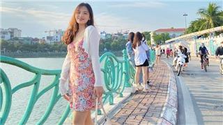 Hot girl U19 nữ Việt Nam rạng ngời ngày đầu đông