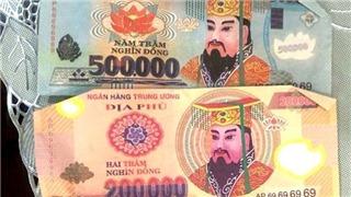 Chi tiết vụ tài xế taxi trả hai du khách nước ngoài tiền âm phủ