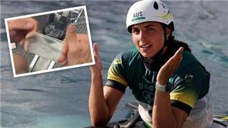 Nữ VĐV dùng bao cao su vá thuyền ở Olympic 2021 giành HCV