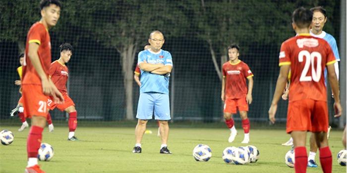 Bóng đá Việt Nam: HLV Park Hang Seo đang yên bỗng hóa lo với U23 Việt Nam